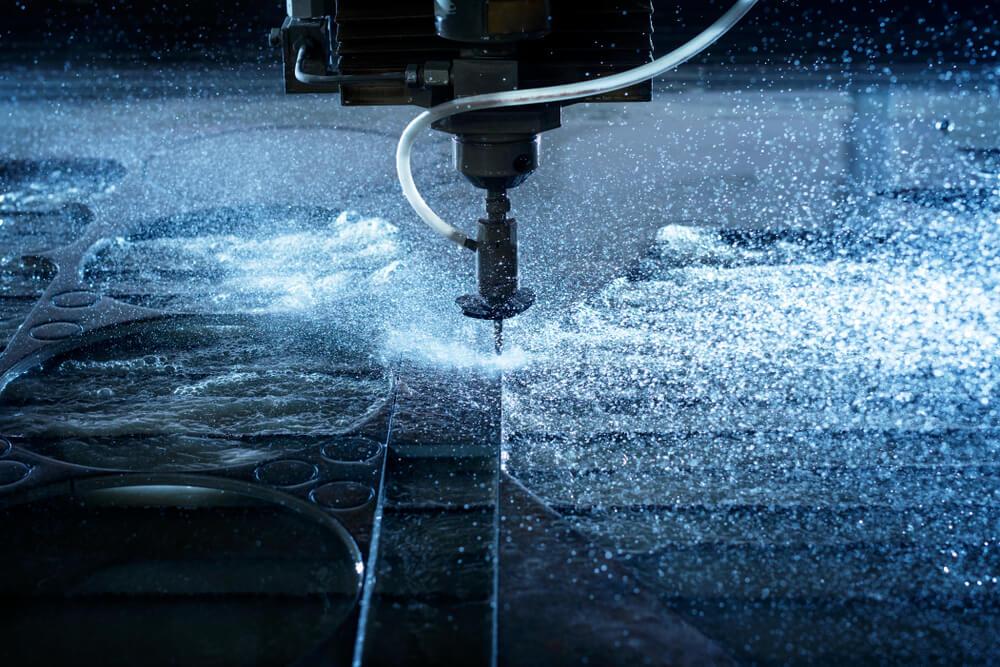 découpe industrielle au jet d'eau